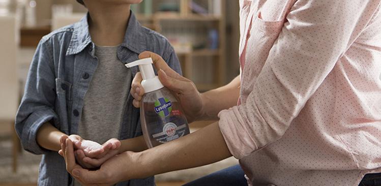 letrero de la página de bienvenida de cuidado de las manos y del cuerpo